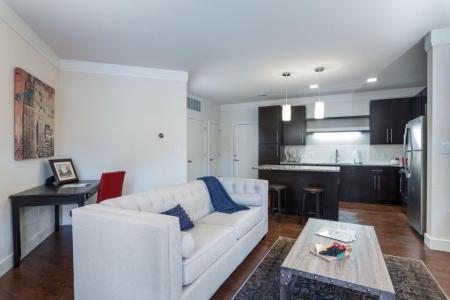 Elegant Living Room | Vanguard Heights