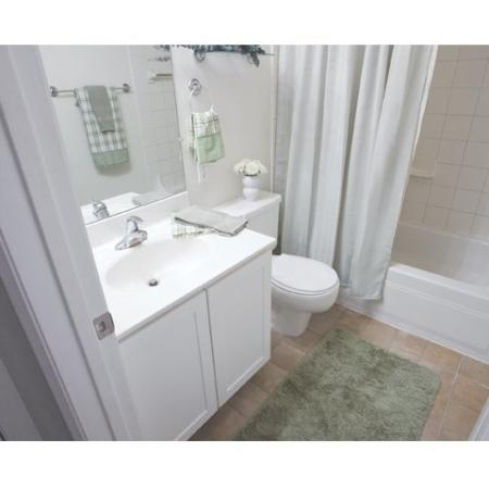 Spacious bathroom in our rentals in Richmond VA at Cameron Kinney