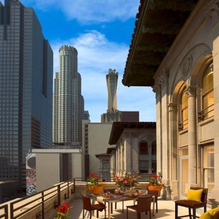 Downtown Los Angeles Apartments for Rent | Metro 417