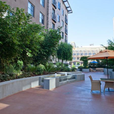 Luxury Oakland Apartments for Rent | The Uptown