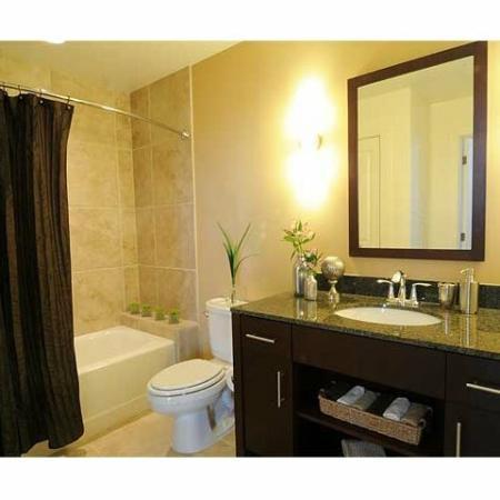 Richmond Virginia Luxury Apartments | Bathroom