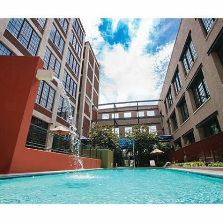 Rentals in Richmond | Swimming Pool