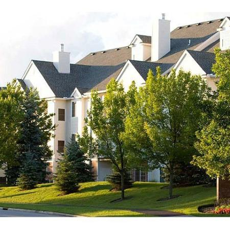 Apartments in Beachwood, OH | Easthaven at the Village