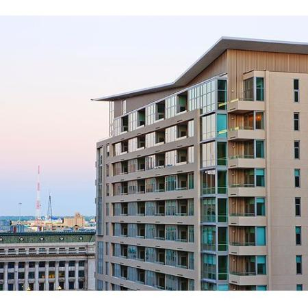 Downtown Dallas Apartment | The Element Mercantile Place Apartments