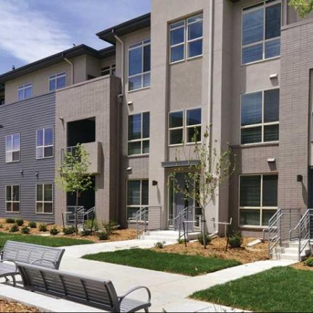 Lush community grounds | apartments in Denver | The Aster Conservatory Green