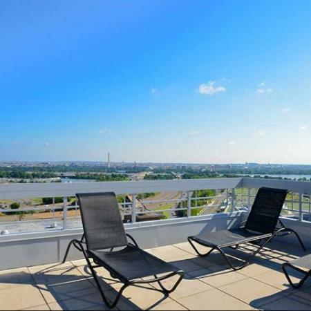 Arlington VALuxury Apartments | Patio
