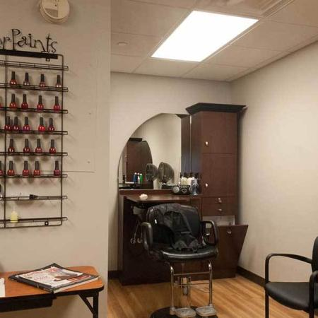 Beauty Salon | Independence Place Apartments