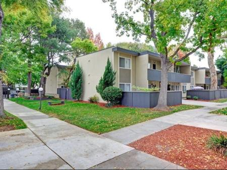 Trestles Apartments landscaping in San Jose, CA