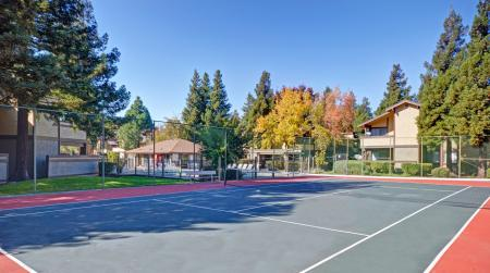 Tennis court at Avery Park Apartments in Fairfield, CA