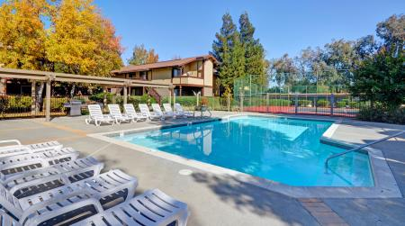 Pool and sundeck at Avery Park Apartments in Fairfield, CA
