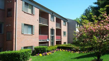 Oakfield Apartment Homes, 2335 Broad St, Durham, NC