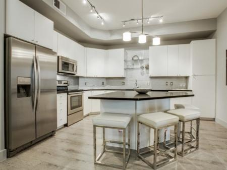 White kitchen- Cantabria at Turtle Creek in Dallas, TX
