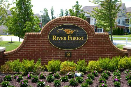 Welcome to River Forest Apartments in Chester, VA