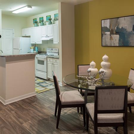 Dining area at Arbor Walk Apartments in Tampa, FL