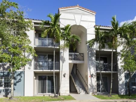 Exterior building at Marela apartments in Pembroke Pines, Florida