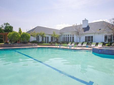 Beautiful swimming pool in Avon, Ohio