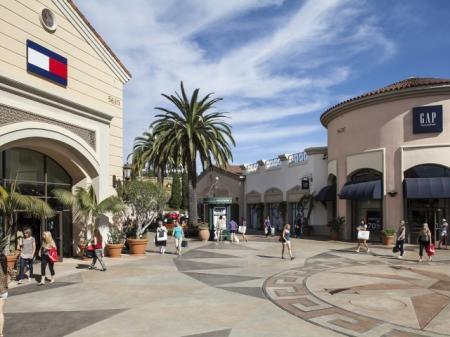 Carlsbad Outlet Mall near Skye Apartments in Vista, CA