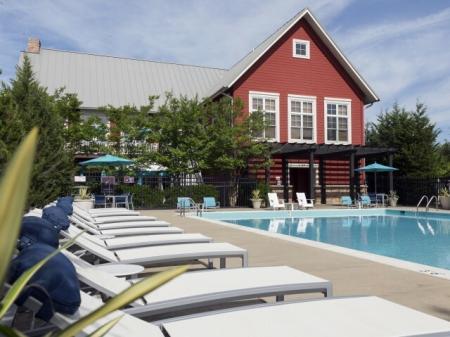 Pool at Westwind Farms Ashburn, VA