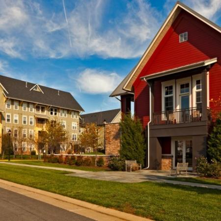 Exterior at Westwind Farms Apartments in Ashburn, VA
