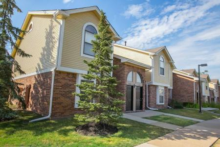Private apartment entrance at Spring Valley Apartments in Farmington Hills, Michigan