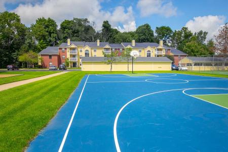 Basketball courts at Summer Ridge Apartments in Kalamazoo, Michigan