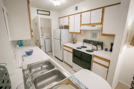 Kitchen at Summer Ridge Apartments in Kalamazoo, Michigan