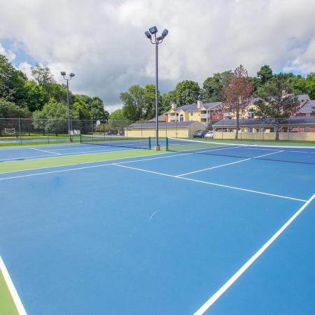 Tennis courts at Summer Ridge Apartments in Kalamazoo, Michigan