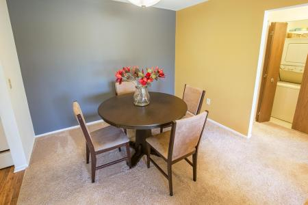 Dining room at Oaks at Hampton Apartments in Rochester Hills, Michigan