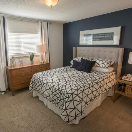Choose from our spacious and stylish one and two bedroom apartment homes at Williamsburg Townhomes Rental Homes in Sagamore Hills, OH