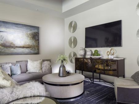 Quaint Lounge Area at Skye Apartments in Vista, CA.