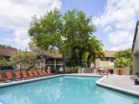 Swimming pool and deck atSiena Apartments in Plantation FL