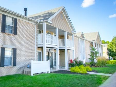 Apartments with lofts at Mallard's Crossing Apartments in Medina, Ohio