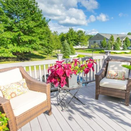 Outdoor veranda at the clubhouse at Mallard's Crossing Apartments in Medina, Ohio
