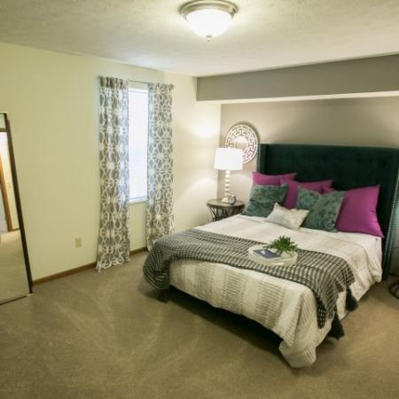 Large bedroom at Mallard's Crossing Apartments in Medina, Ohio