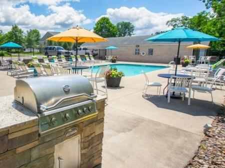 Grilling station at Mallard's Crossing Apartments in Medina, Ohio