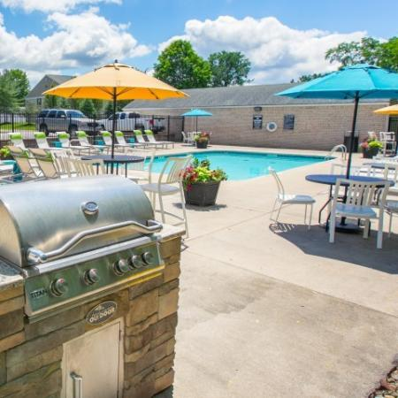 Grilling station at Mallard's Crossing Apartments in Medina, Ohio