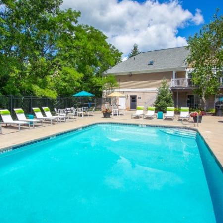 Swimming pool at Mallard's Crossing Apartments in Medina, Ohio