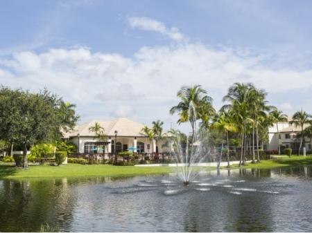 Welcome to Vista Lago Apartments in West Palm Beach, Florida