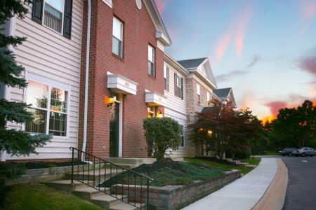 Beautiful community at The Residence at Barrington in Aurora, Ohio