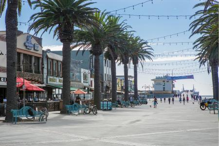 Downtown Hermosa near Avaire South Bay Apartments in Inglewood CA