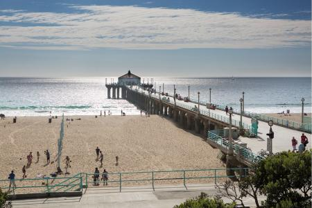 Manhattan Beach Pier near Avaire South Bay Apartments in Inglewood CA