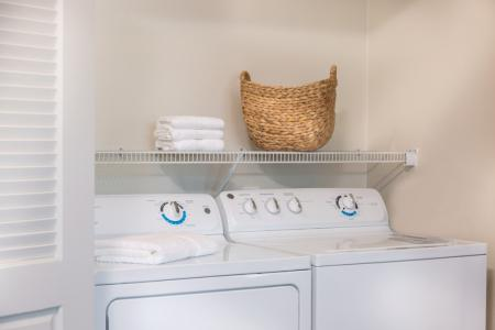 Full-size washer and dryer included at River Pointe at Den Rock Park Apartments