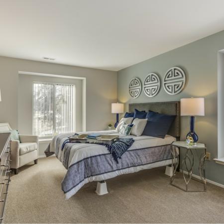 Window seats at Oaks at Hampton Apartments in Rochester Hills, MI