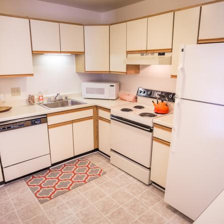 Kitchen at Oaks at Hampton Apartments in Rochester Hills, MI
