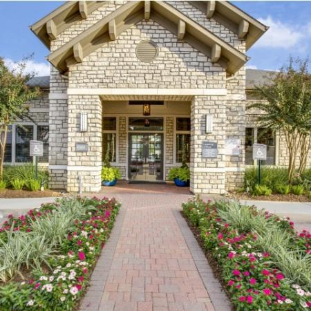 Welcome to Montfair at the Woodlands apartments in Houston TX