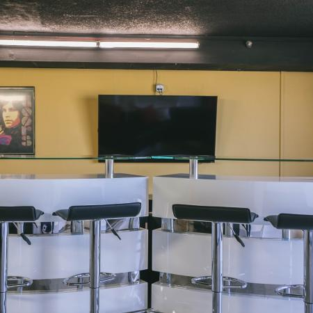 The Renegade, interior, seating, tv, common room
