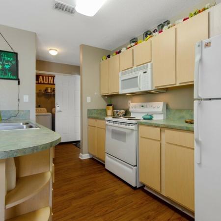 Tenn Street Apartments Kitchen