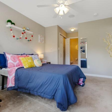 Tenn Street Apartments Bedroom