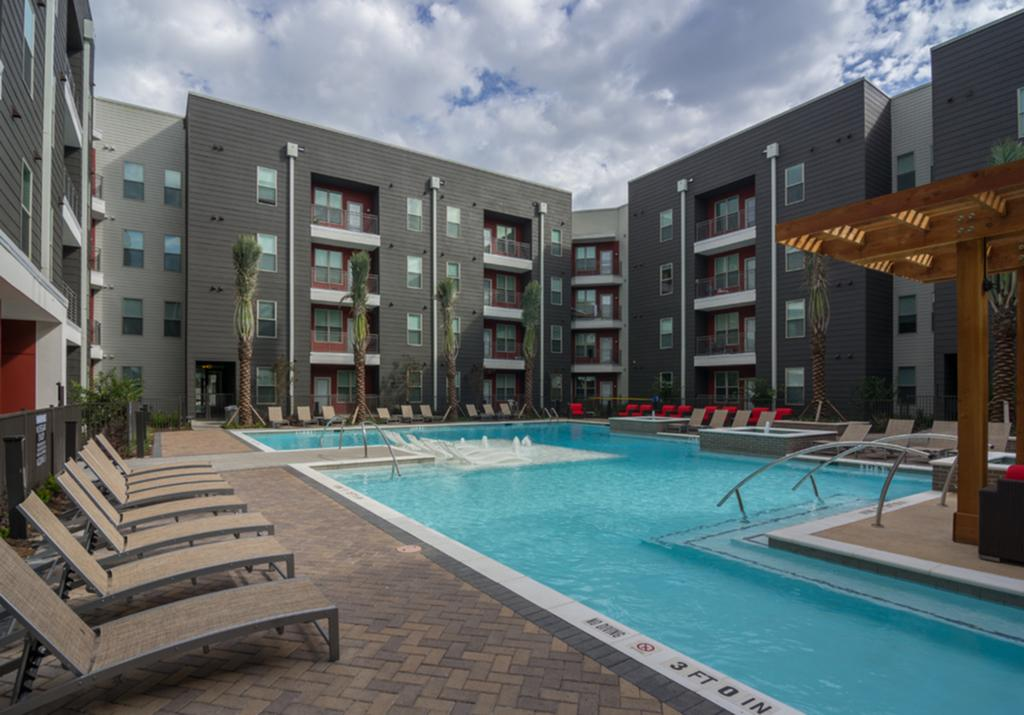 Student Housing in Houston fachade