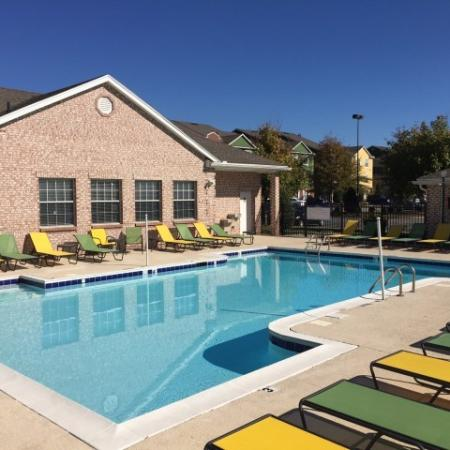 Hilltop Club Swimming Pool and sundeck | Apartments in Bowling Green